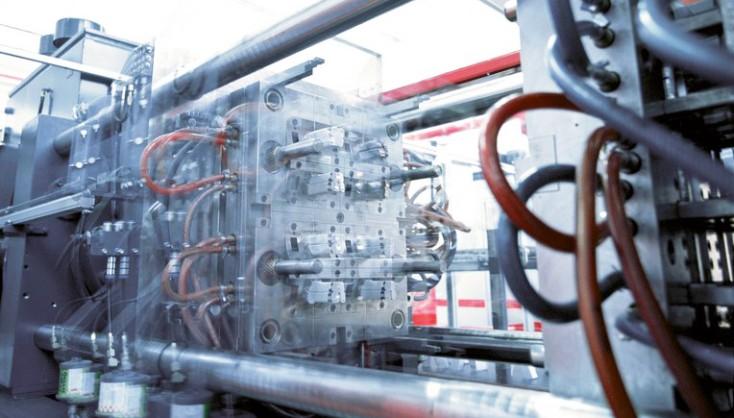 Stroje pro výrobu plastů a tlakové licí stroje